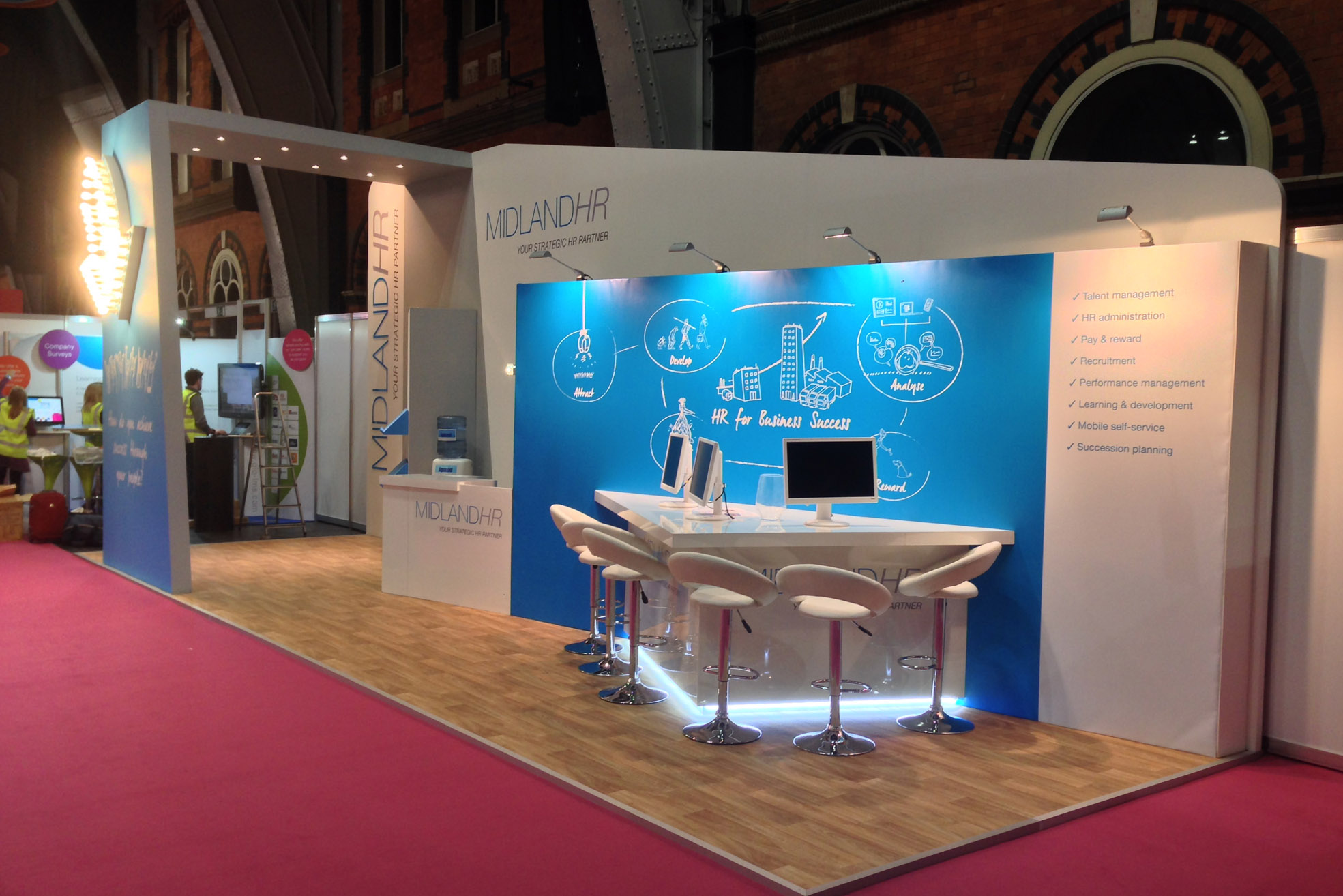 midland hr custom exhibition stand